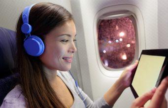 Kvindelig flypassager